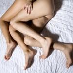 Dormir desnudo y los beneficios para la salud del pene